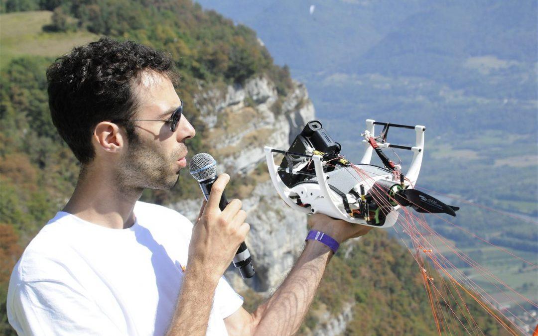 Accompagnement de Ihmati et Aube, le drone à paramoteur
